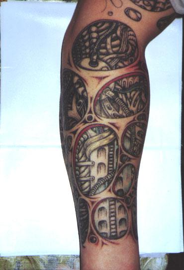 Татуировки находятся также в разделах